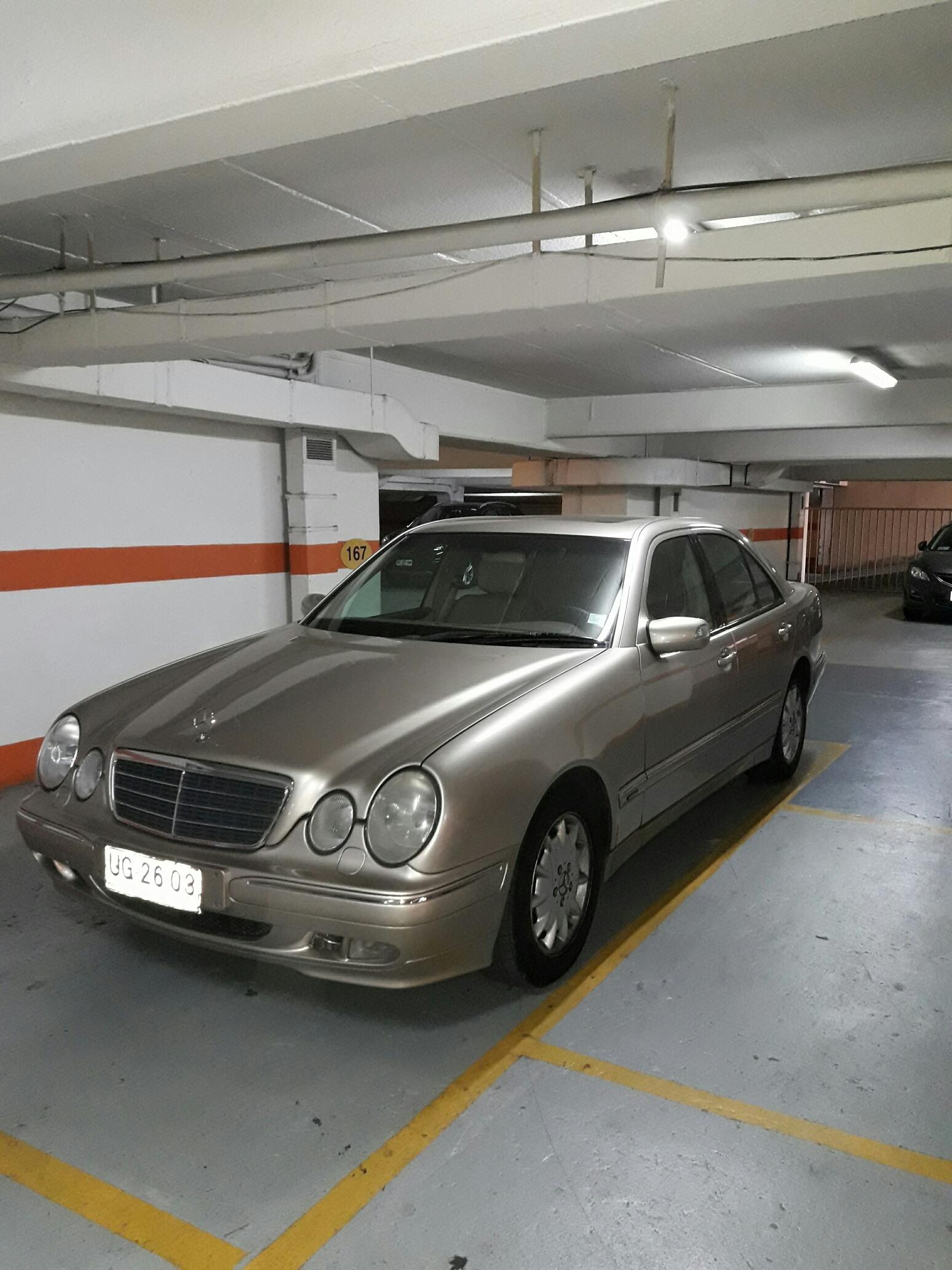 Mercedes-Benz E240  año 2001