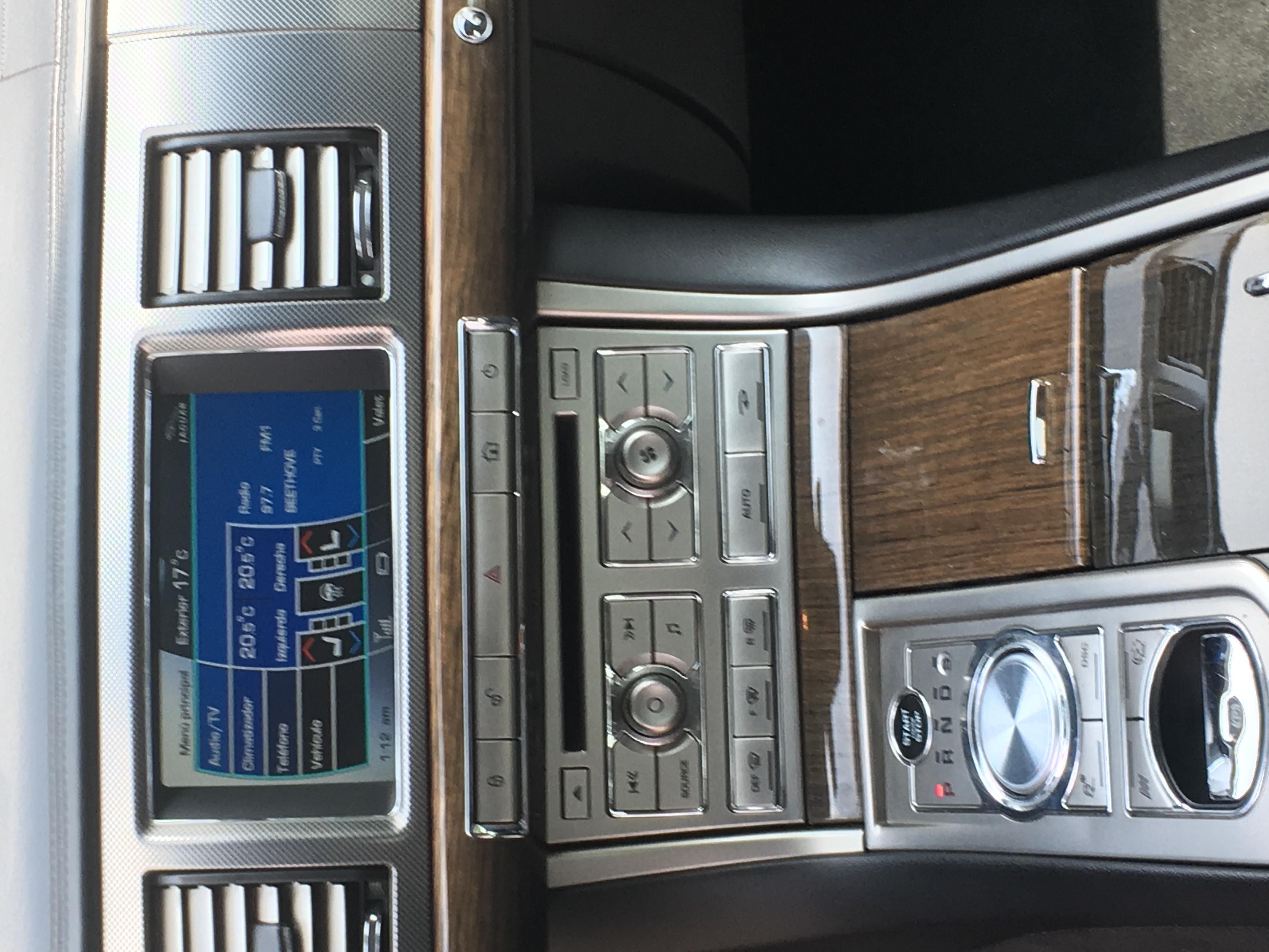 Jaguar XFR V8 5.O SUPERCHARGED 510HP año 2012