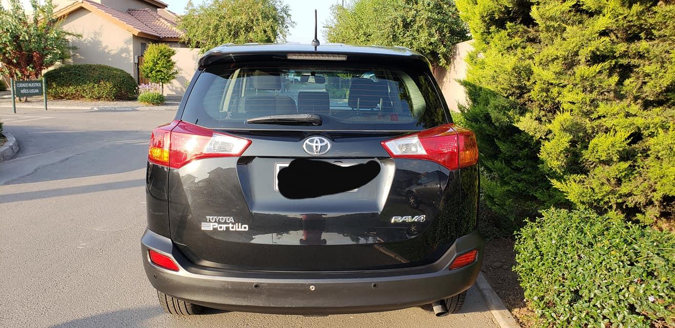 Toyota Rav4 super lujo año 2013